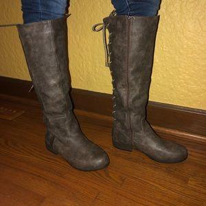 Light brown tie up boots